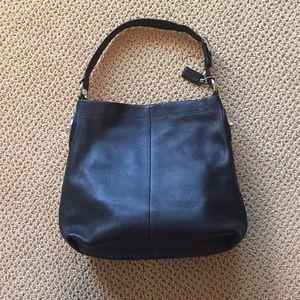 Coach leather shoulder hobo bag black like new!